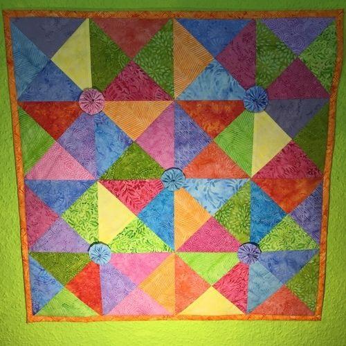 Makerist - Spiel mit bunten Dreiecken - Patchwork-Projekte - 1