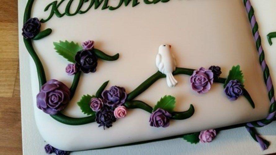 Makerist - Kommunionstorte in Grün und Violett - Torten, Cake Pops und Cupcakes - 2