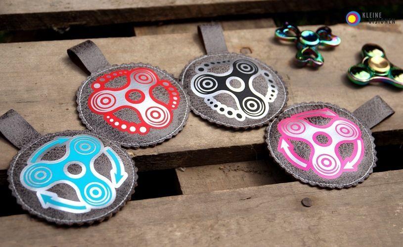 Makerist - You spin my head.... Fidget Spinner Taschen aus Softshell und Kunstleder, mit Plottmotiv für meine Kinder und alle Spinner ;-) - Nähprojekte - 2