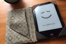 Makerist - Reader oder Tablett Hülle mit praktischer Handschlaufe v.  min ziari - 1