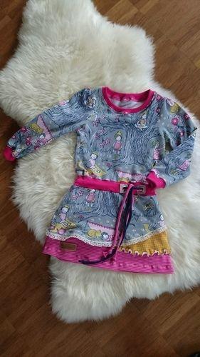 Makerist - Ein Carlienchen für meine Tochter Gr. 98 - Nähprojekte - 1