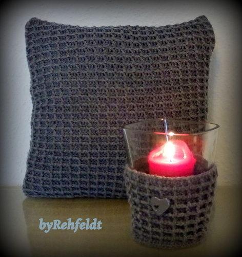 Makerist - Häkelkissen und ein Kerzenglas im Waffelmuster - Häkelprojekte - 1