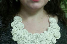 Makerist - Bib Flower Collar - 1