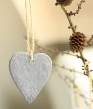 Makerist - Deko Herzen in Betonoptik zum Aufhängen - 1