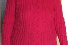 Makerist - Mein roter Zopfpullover aus Lanas Stop Viena, nachgestrickt von Frau Reimann - 1