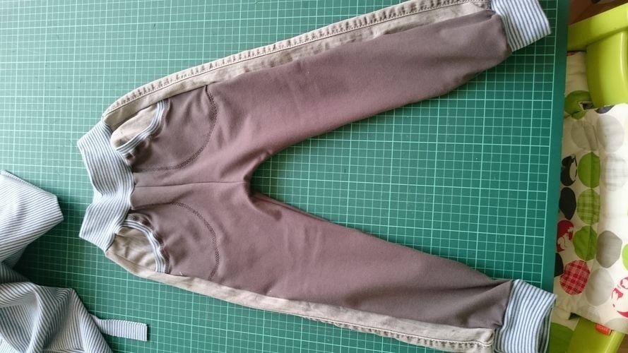 Makerist - aus Papas alter Jeans und Jeansjersey  - Nähprojekte - 1