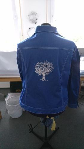 Makerist - Meine Jeansjacke für mich. Gemacht aus Stretchjeans - ich liebe sie - Nähprojekte - 2
