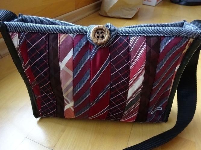 Makerist - Handtasche aus Krawatten und einem ausgedienten Wollblazer - Nähprojekte - 1