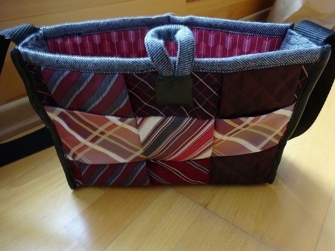 Makerist - Handtasche aus Krawatten und einem ausgedienten Wollblazer - Nähprojekte - 2
