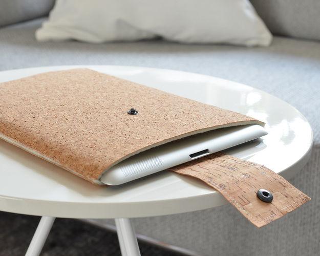 Makerist - Safe in cork – Korkstoff-Tablet-Hülle - Nähprojekte - 1