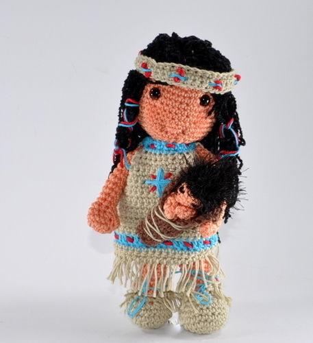 Makerist - Indianermädchen mit Baby Häkelanleitung - Häkelprojekte - 2