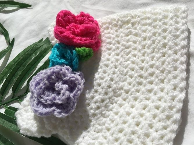 Makerist - flower crown beanie - Crochet Showcase - 3