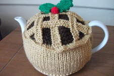 Makerist - Hand Knitted Mince Pie Tea Cosy - 1
