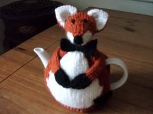 Makerist - Hand Knitted Fox Tea Cosy - 1