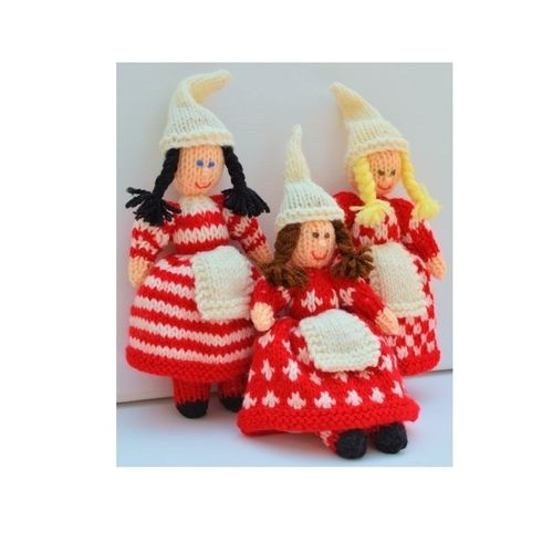 Makerist - Scandinavian Christmas Elves - DK Wool - Knitting Showcase - 3