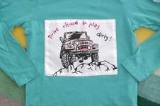 Makerist - Selbstgemalte Applikation Jeep auf gekauftem Shirt - 1