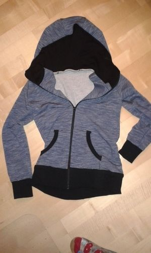 Makerist - Sweatshirtjacke mit selbstgeklöppelter Spitze - Nähprojekte - 1