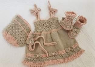 Makerist - Little B Peep Bay Dress Bonnet and Booties - 1