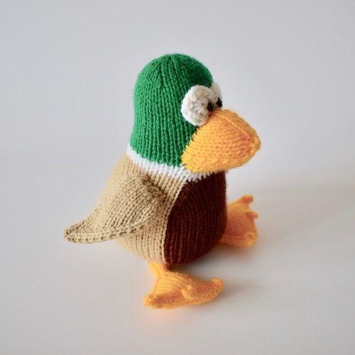 Makerist - Puddles the Mallard - Knitting Showcase - 1
