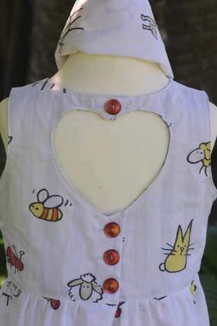 Makerist - Herzausschnitt in Rückenpartie - 1