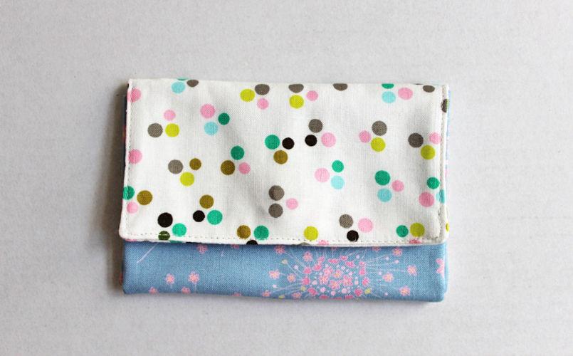 Makerist - Portemonnaie mit Polka Dots und Blüten - Nähprojekte - 1
