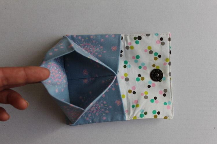Makerist - Portemonnaie mit Polka Dots und Blüten - Nähprojekte - 2