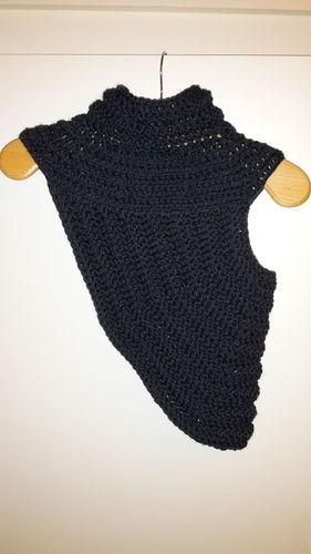 Makerist - Wollig-warmes Häkelteil : Asymmetrischer Shrug - Häkelprojekte - 1