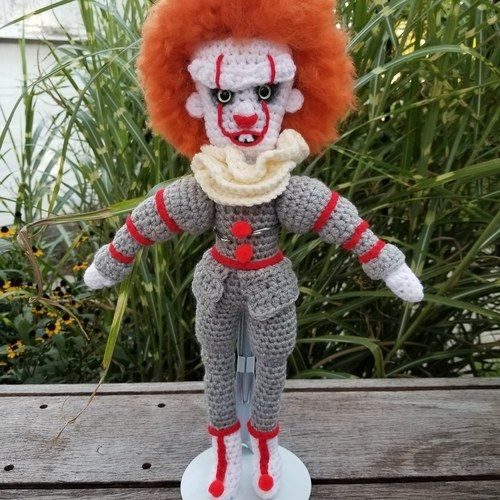 Makerist - Pennywise - Crochet Showcase - 1