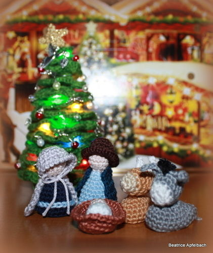 Makerist - Mini Weihnachtskrippe - Häkelprojekte - 1