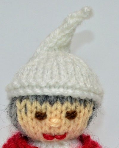 Makerist - Scrooge Doll - DK Wool - Knitting Showcase - 3