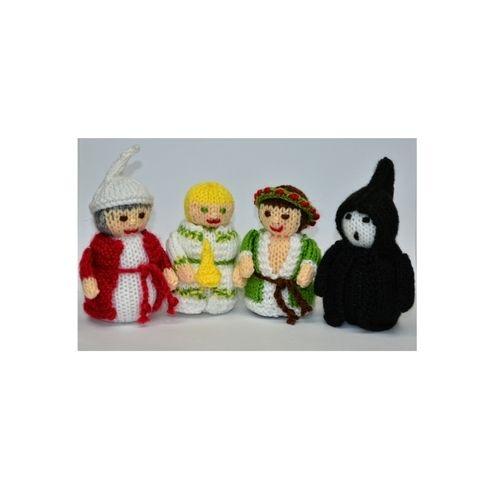 Makerist - A Christmas Carol Dolls - DK Wool - Knitting Showcase - 2
