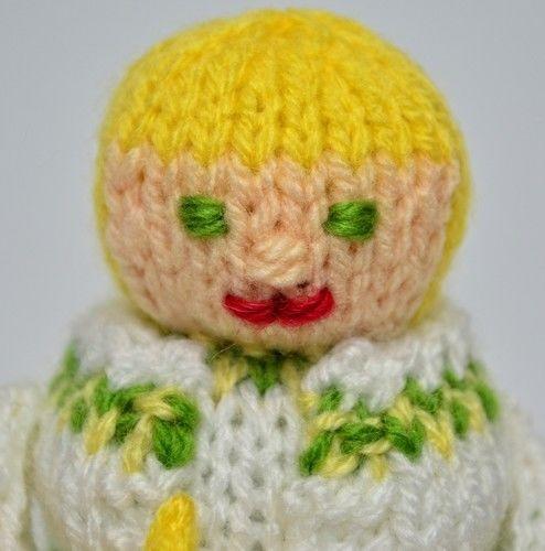 Makerist - Scrooge - Spirit of Christmas Past - DK Wool - Knitting Showcase - 2