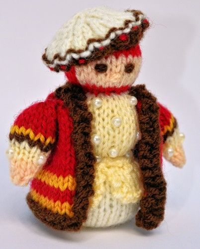 Makerist - Tudor Gentleman Doll - DK Wool - Knitting Showcase - 3