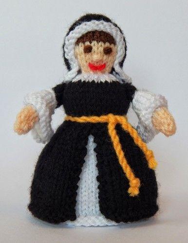Makerist - Catherine of Aragon Doll - DK Wool - Knitting Showcase - 2