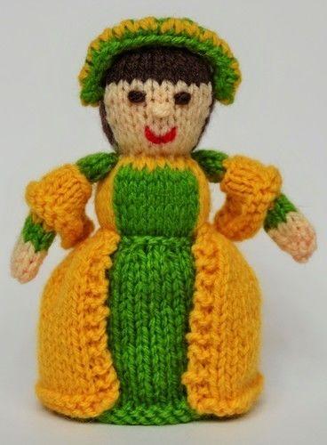 Makerist - Anne Boleyn Doll - DK Wool - Knitting Showcase - 3