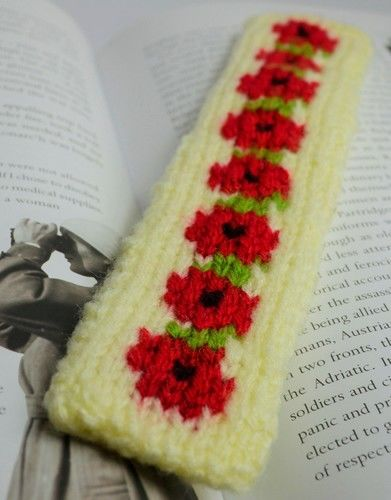Makerist - Red Poppy Bookmark - DK Wool - Knitting Showcase - 1