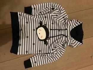 Makerist - HOODIE COMET (hier Grösse 98/104) von MIALUNA mit Fledermaus Plott von Paul&Clara - 1
