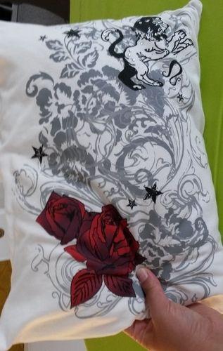 Makerist - Kissen mit Hotelverschluss aus einem T- Shirt - Nähprojekte - 1