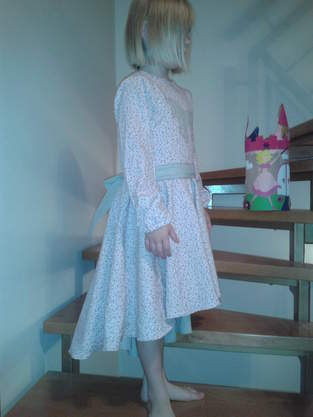 Makerist - Lieblingsdrehkleid mit Einhorn - 1