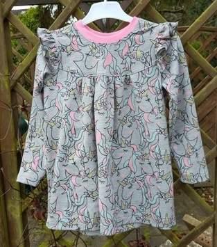 Makerist - Alle Girls lieben Einhörner Kleidchen aus Girly-Shirt von Konfetti Patterns  - 1