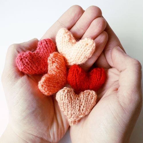 Makerist - Easy Little Hearts - Knitting Showcase - 1