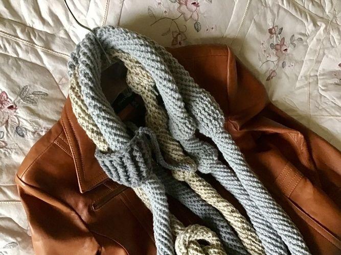 Makerist - Candlestick Park scarf - Crochet Showcase - 1