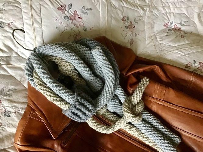Makerist - Candlestick Park scarf - Crochet Showcase - 3