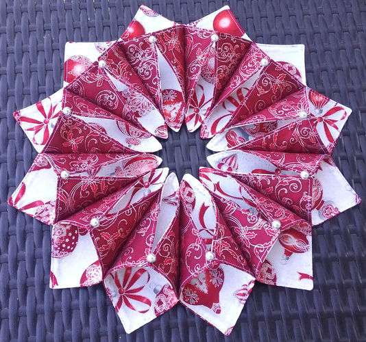 Makerist - Fold 'n Stitch Wreath - Patchwork-Projekte - 2
