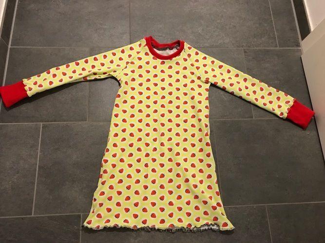 Makerist - Erdbeerinchen Nachthemd - Nähprojekte - 1