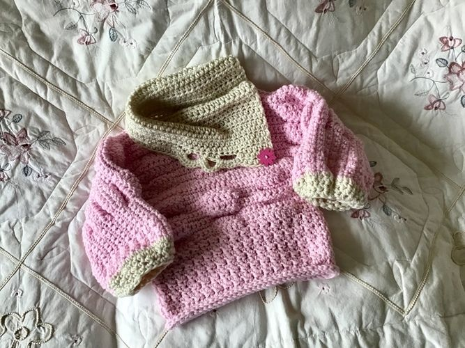 Makerist - Little Poppy Puff Sweater - Crochet Showcase - 3