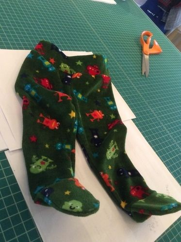 Makerist - Footed Baby Pants for Grant - Sewing Showcase - 2