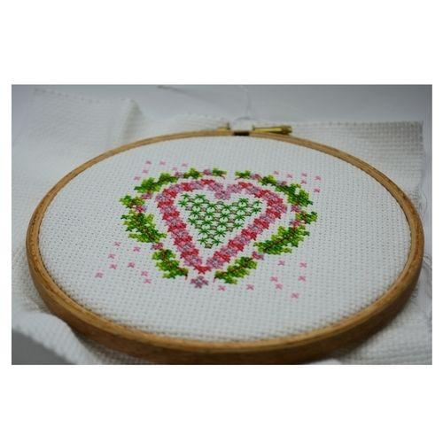 Makerist - Heart Counted Cross Stitch - Sewing Showcase - 2