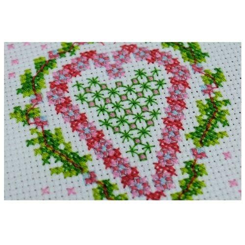 Makerist - Heart Counted Cross Stitch - Sewing Showcase - 3