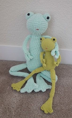 Makerist - Amigurumi – toy - Lilly the Frog -  crochet tutorial/pattern - Crochet Showcase - 2